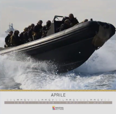 20161006_calendario-2017-marina-militare-3