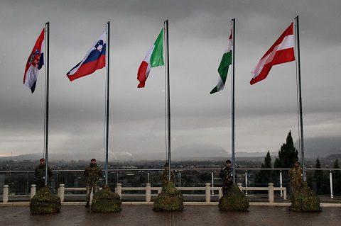 20161121_euroepan-wind_eubg_comalp_le-bandiere-delle-nazioni-esercitate