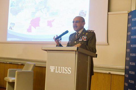 Il CaSME gen Errico alla Luiss ha presentato la sua analisi delle minacce alla sicurezza europea, oltre i luoghi comuni