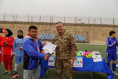 gen-mirra-con-allenatore-afgano
