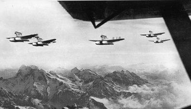lo-stormo-degli-idrovolanti-s-55-x-sorvola-le-alpi-nella-crociera-italia-usa-del-1933