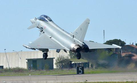 Aeronautica: decollati 6 Eurofighter per la NATO Northern Ice in Islanda. Foto