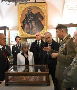 """Esercito: il Presidente del Senato Grasso visita il Museo della Cavalleria, """"dove nacque il moderno metodo di montare a cavallo"""""""