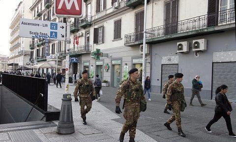 Strade Sicure: borseggiatori scappano tra la folla a Napoli, bloccati dalle Guide e arrestati dalla Polizia