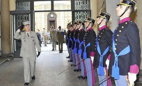 """Scuola di Applicazione: a Torino """"una proposta formativa all'avanguardia"""" visitata dal gen Lauzier, comandante della Formazione dell'Esercito Francese"""
