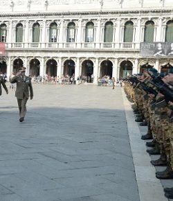 Esercito: 33° anniversario per i Lagunari, la cerimonia in Piazza San Marco a Venezia