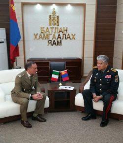Scuola di Applicazione: il Centro Studi sulle Operazioni di Post-Conflict in Mongolia per la collaborazione nell'addestramento militare
