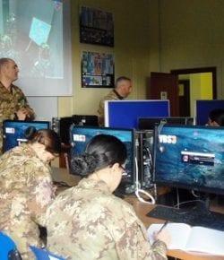 Scuola Sottufficiali: addestramento con il Virtual Battle Space per i marescialli con specializzazione Sanità