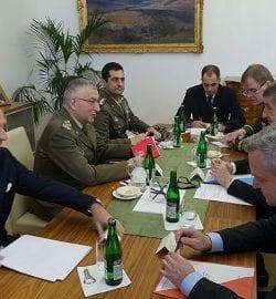 Il CaSMD gen Graziano a Praga, dall'omologo gen Becvar, sollecita il rafforzamento della cooperazione NATO – UE
