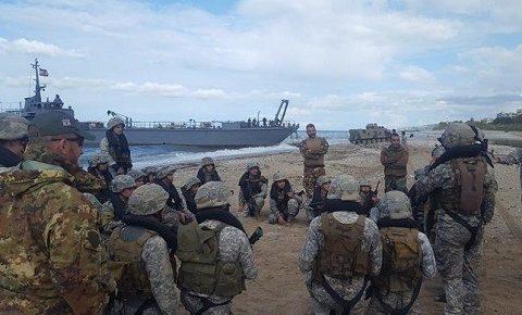 MIBIL: 1° corso Amphibious per il Marine Command Regiment delle LAF da parte della brigata marina San Marco